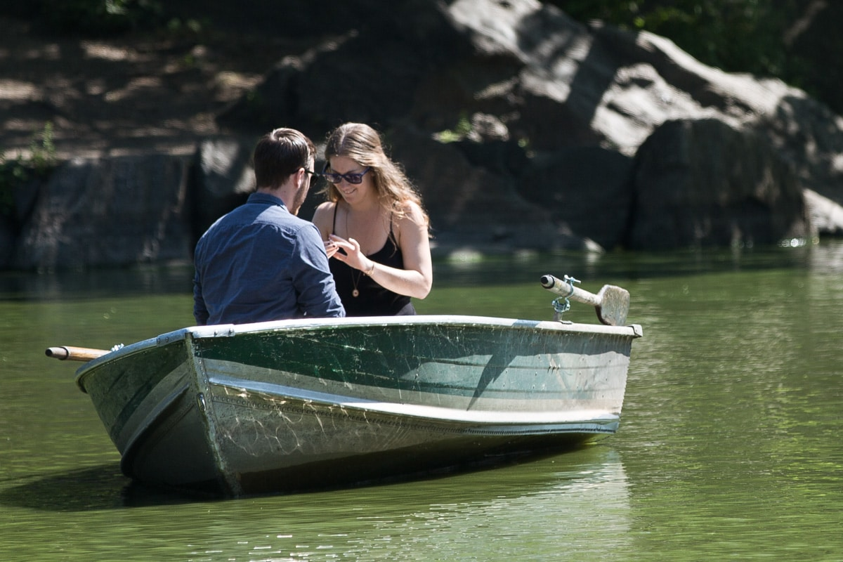 [Central Park Marriage Proposal on a raw boat]– photo[4]