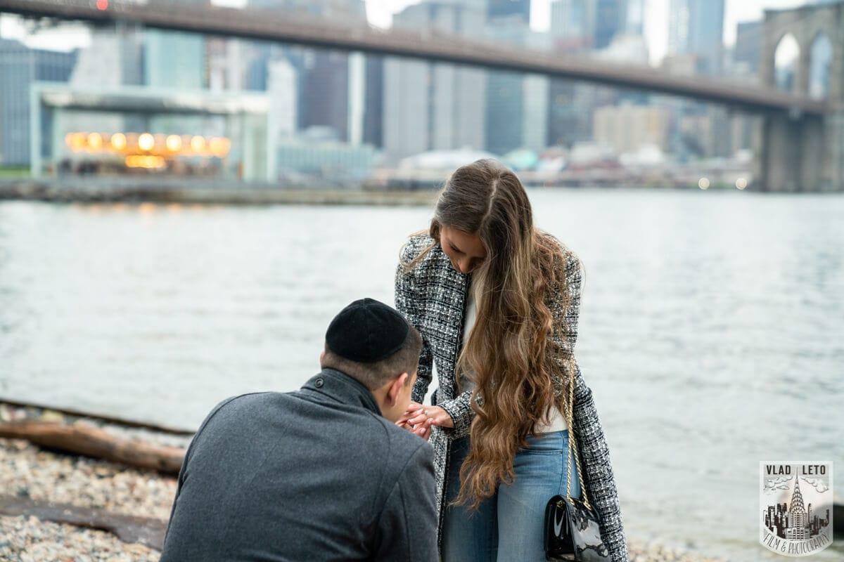 Proposal photographer in Brooklyn