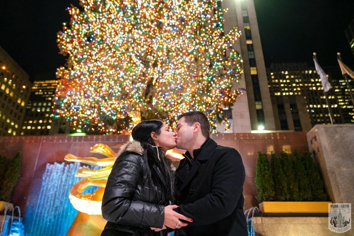 Photo 13 Ice Skating Marriage Proposal at Rockefeller Center | VladLeto