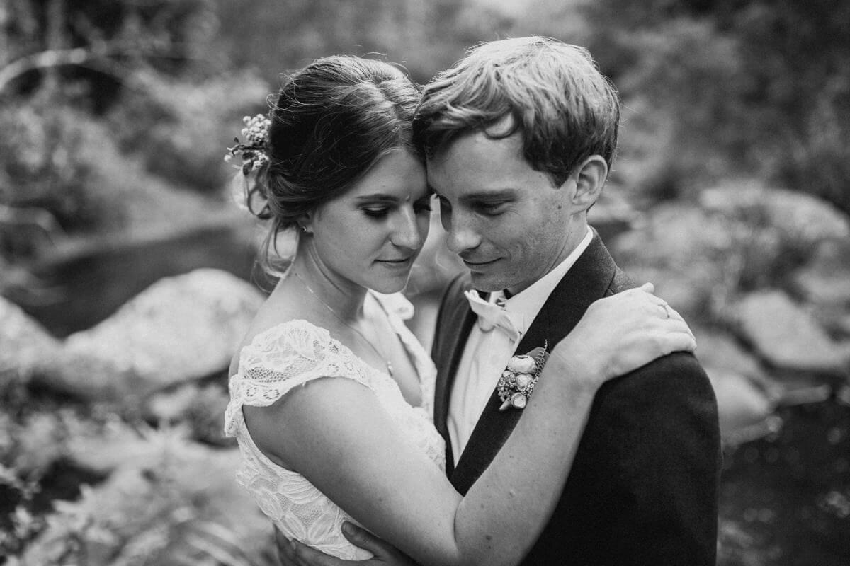 Ellen-Ash-Lillyvale-Wedding-Photographer_0051