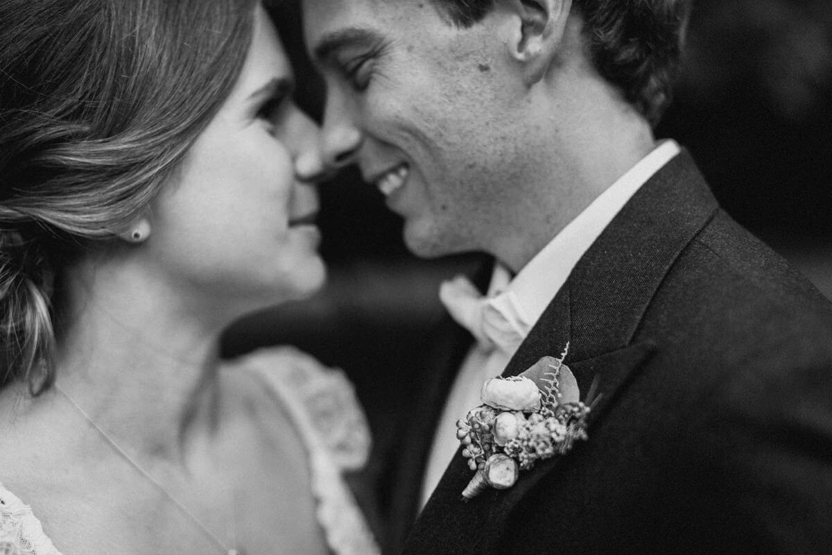 Ellen-Ash-Lillyvale-Wedding-Photographer_0072