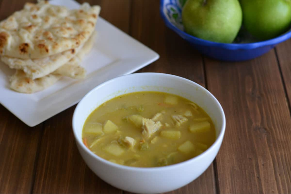 Indian mulligatawny soup with chicken