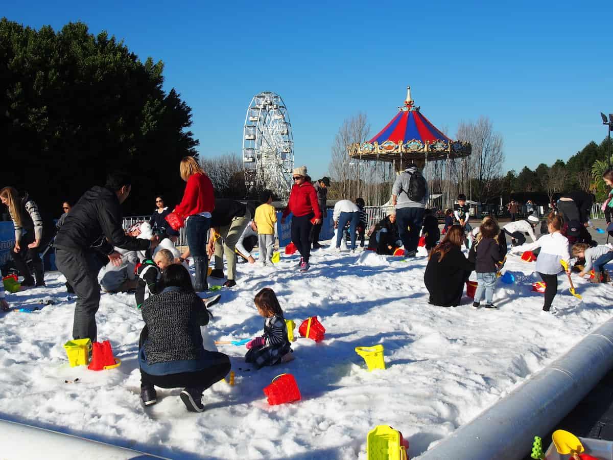 Hunter valley gardens snow time