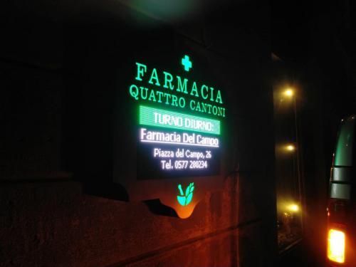 Farmacia Quattro Cantoni
