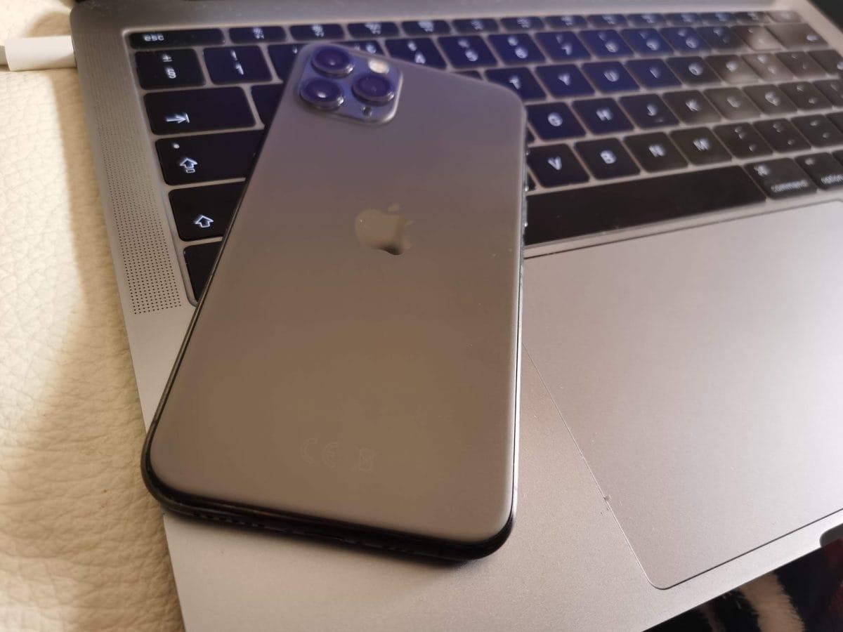 por um iPhone