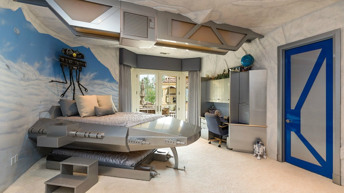 Empire Strikes Back Kid Beds in Star Wars Themed