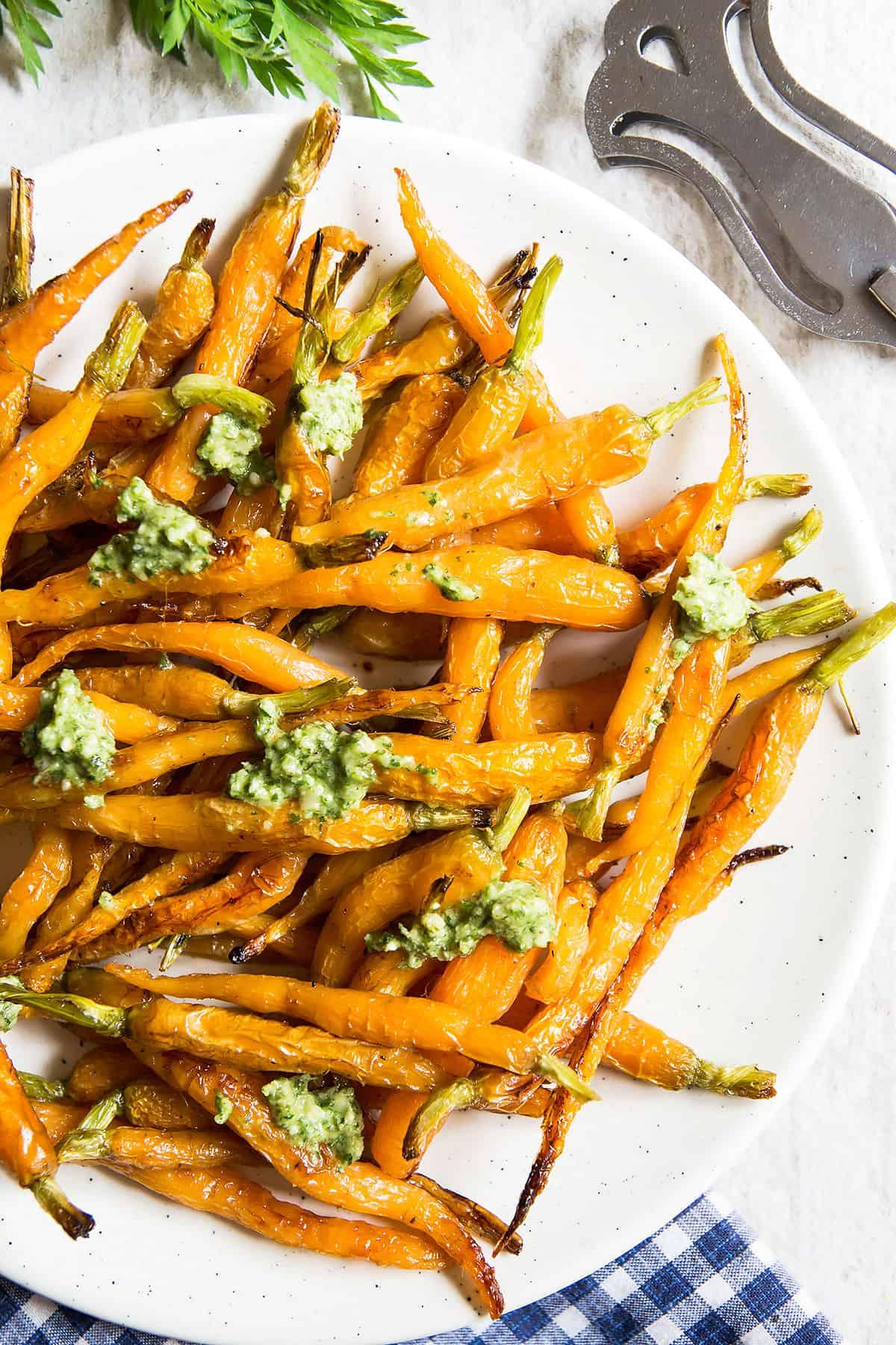 Roasted Carrots with Creamy Pesto