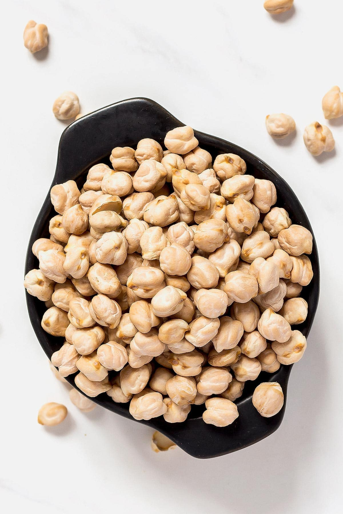 Dry Garbanzo beans in bowl