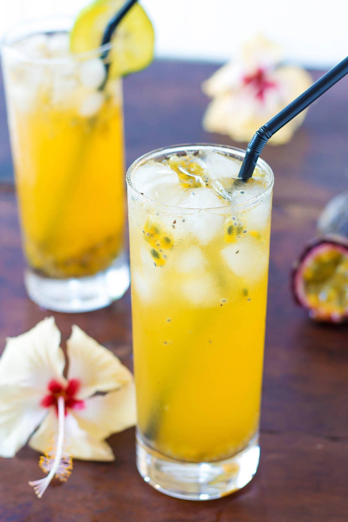 Passion Fruit Lemonade with Ice