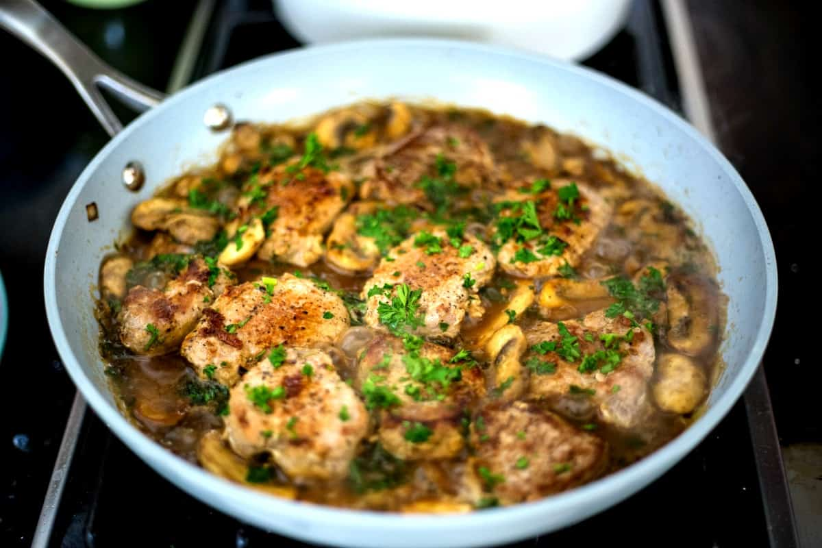 cooking pork medallions in mushroom sauce