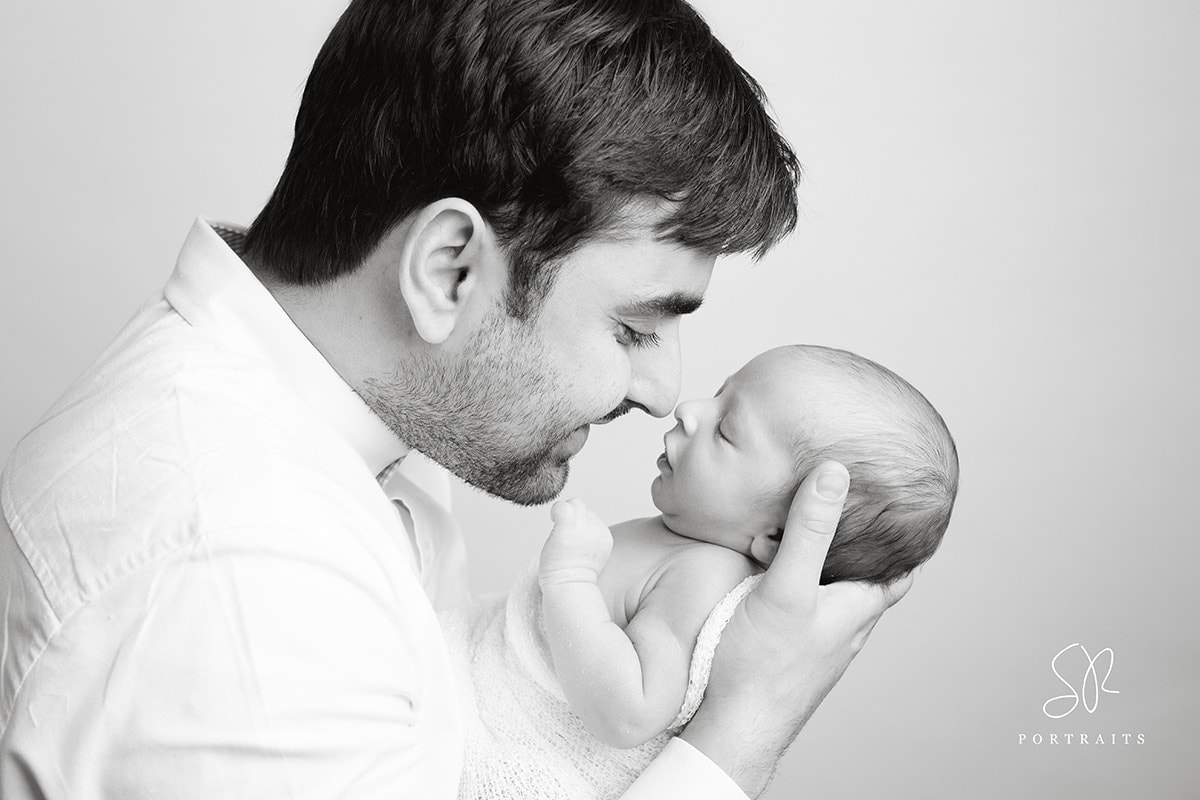 SR Portraits Photography Leicester - dad and baby