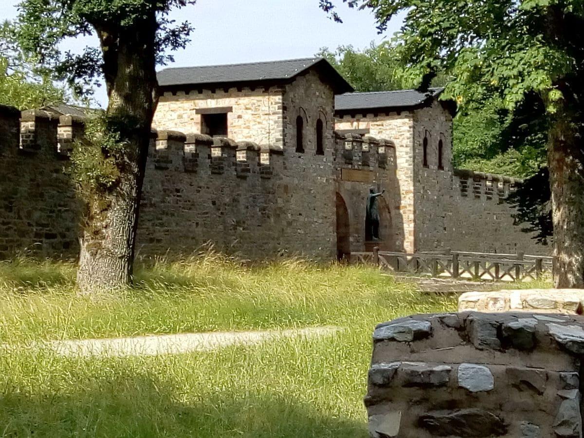Eingang Saalburg