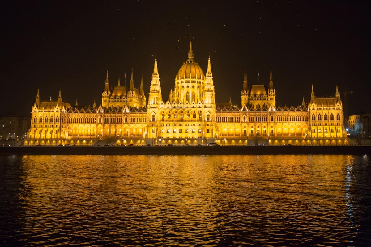 best spots for Instagram photos in Budapest: Budapest Boat tour