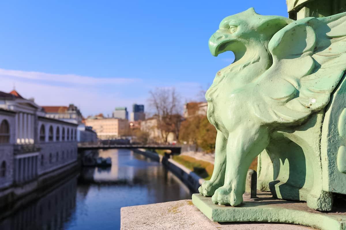 Dragon's Bridge sculpture