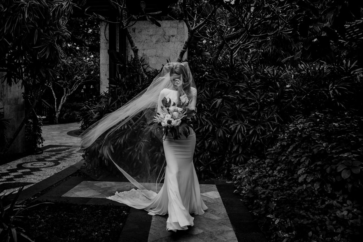 A bride before her ceremony by Shangri-La wedding photographer Julian Abram Wainwright