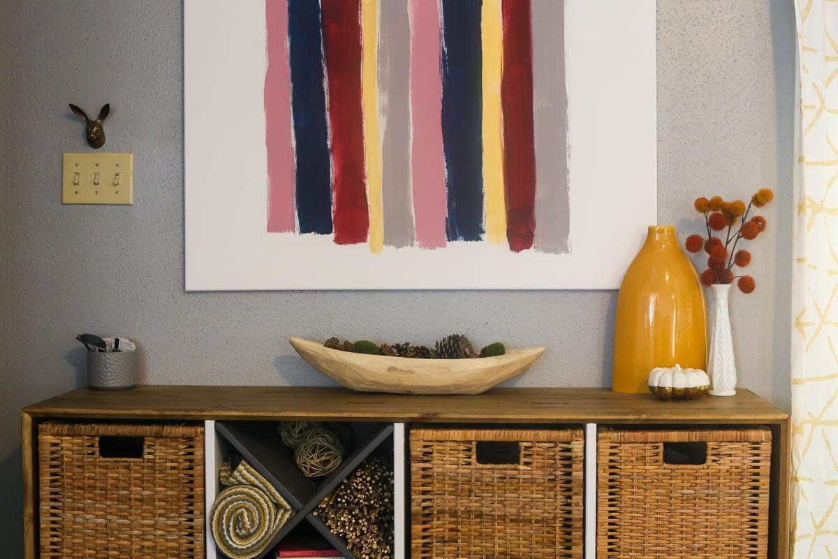 A guide to styling a fall entryway table