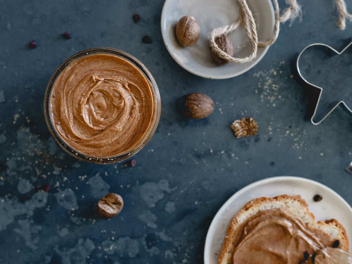 Enjoy this gingerbread peanut butter on some toasted bread, in your morning bowl of oatmeal or straight from the jar with a spoon!