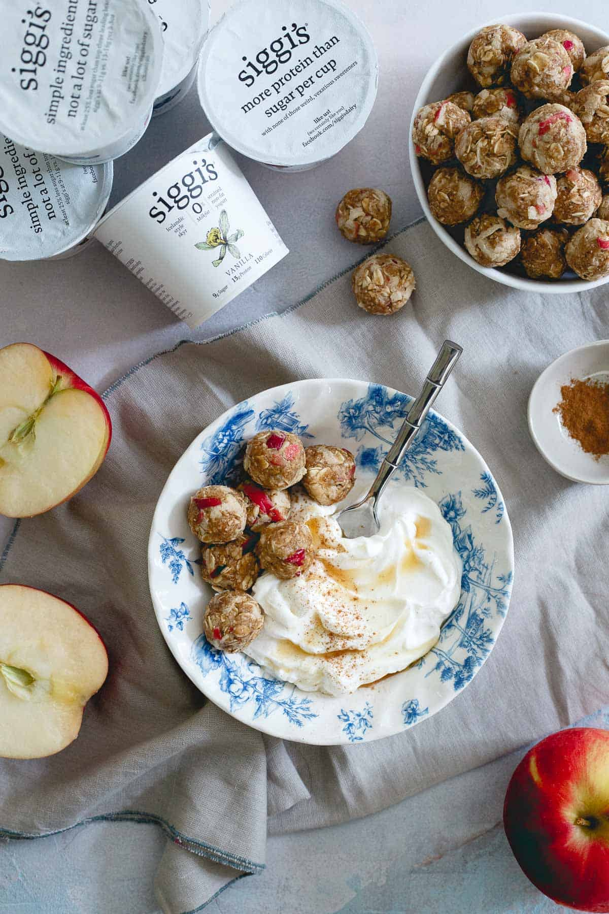 These apple cinnamon cookie bites are made with oats, cashew butter and real pieces of fresh apples. A great fall snack and delicious with a bowl of yogurt!