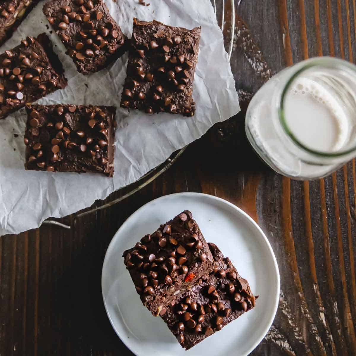 A simple black bean brownie recipe that's vegan and gluten-free, tastes just like chocolate fudge with healthy, nutritious ingredients.