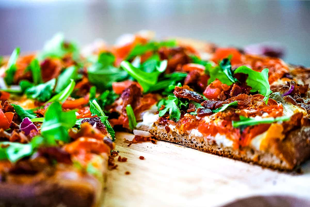 BLT pizza without a slice