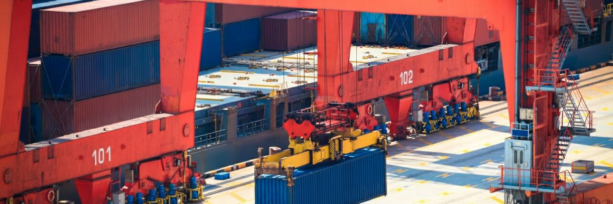 Sea freight: container loading