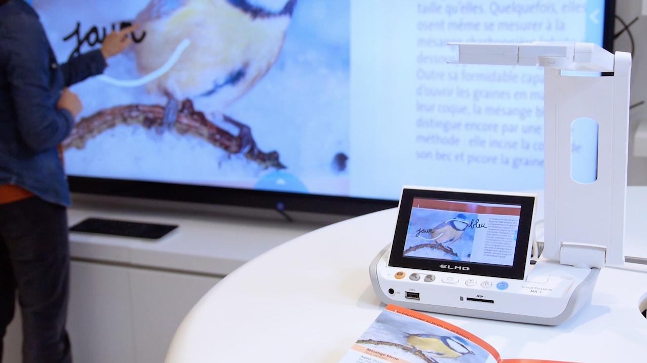 visualiseur sans fil transmet son image sur l'écran interactif