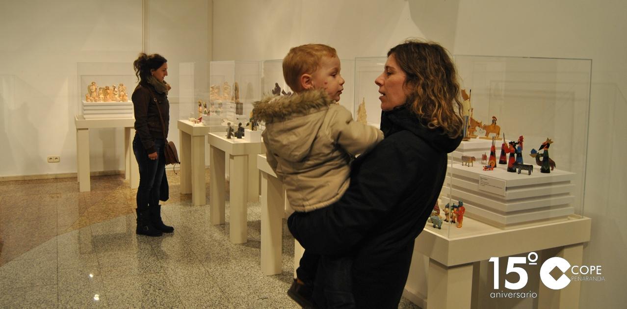 La muestra de «Belenes del mundo» se puede visitar hasta el 13 de enero en el zaguán de la Fundación