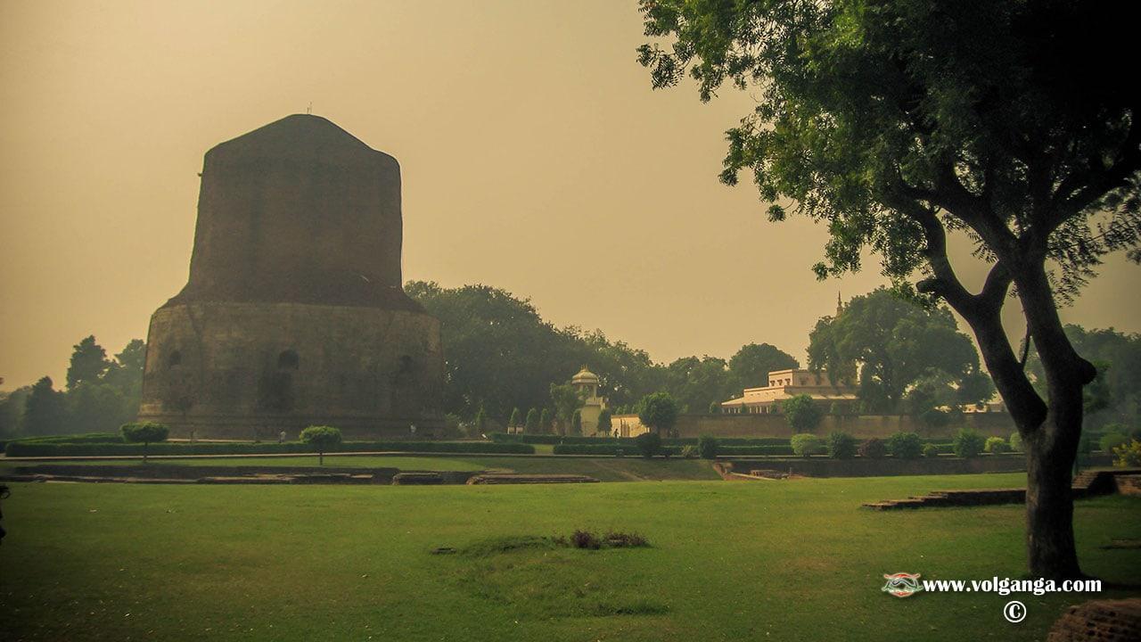 Stoop view at Sarnath