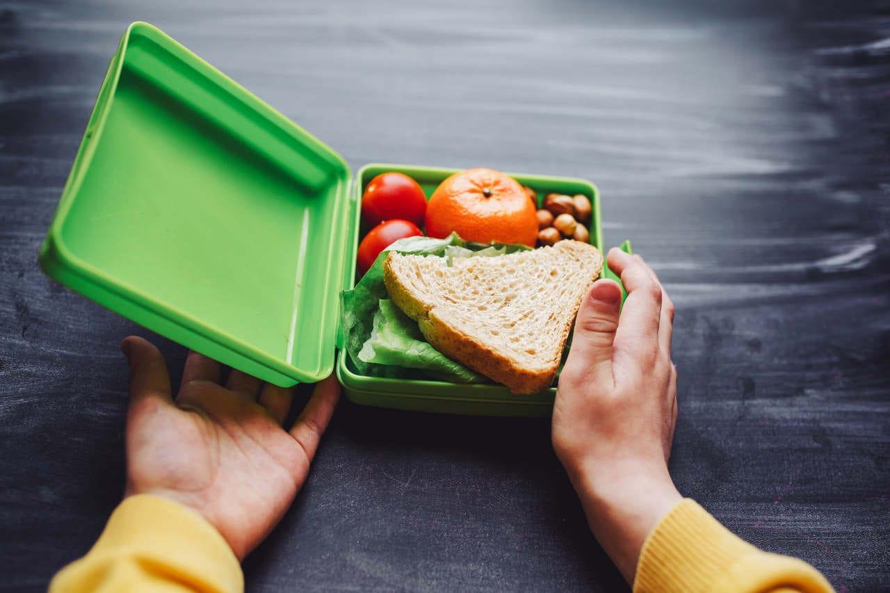 Alimentação infantil: veja 5 erros comuns cometidos pelos pais