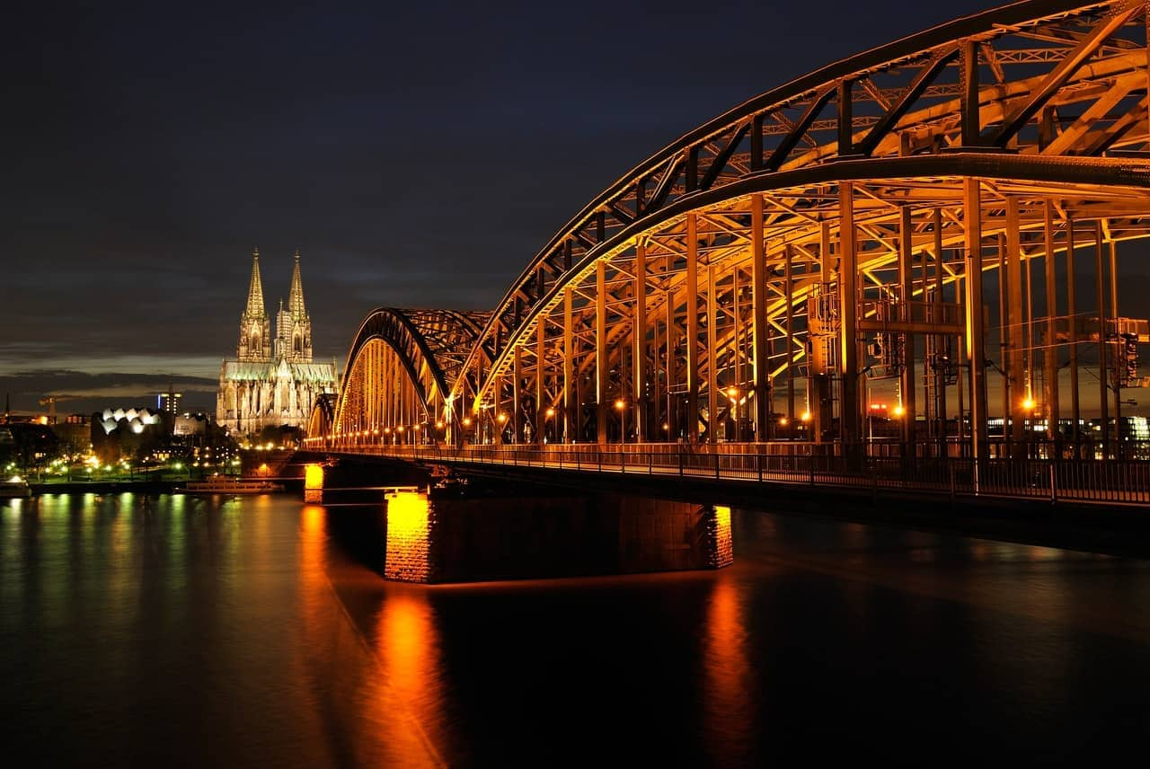 Cologne - night - Bridge