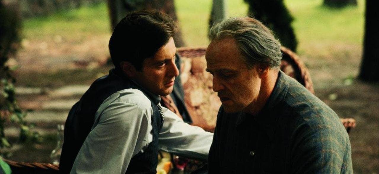 Al Pacino et Marlon Brando dans Le Parrain
