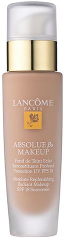 Best foundation for mature skin over 40 - Lancôme Absolue Replenishing Radiant Makeup SPF 18 Sunscreen | 40plusstyle.com