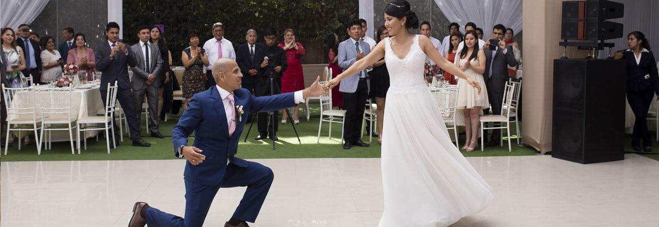 Un hermoso baile de novios, en la Boda Patricia y Ronald.