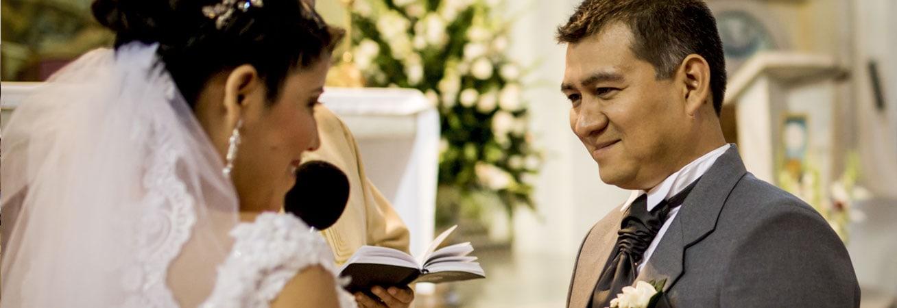 Votos Matrimoniales hecho por los novios en la boda.