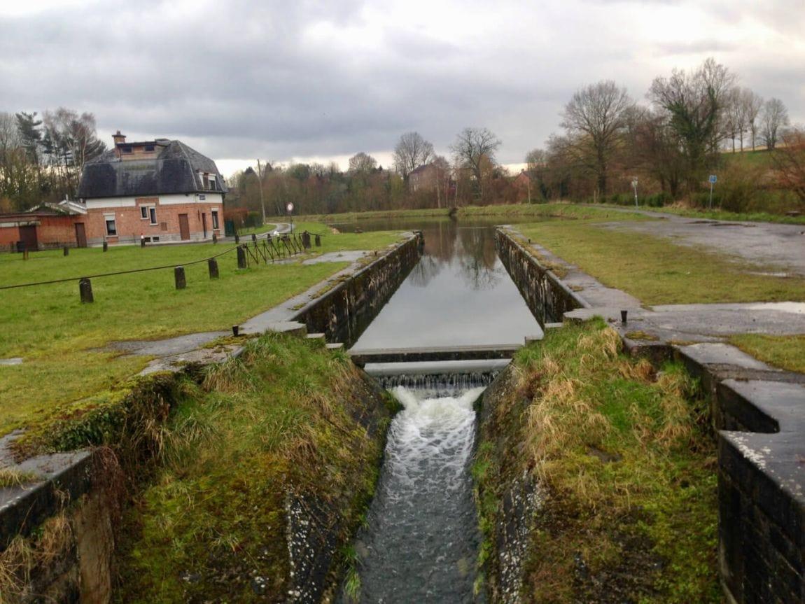 jaagpad langs het kanaal