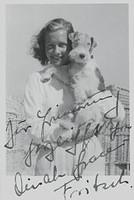 Dinah Grace mit Hund