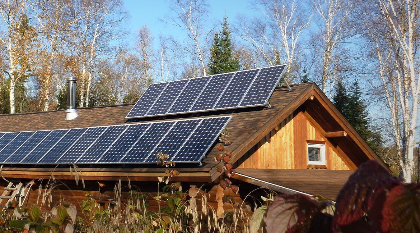 Village Mitchi – Installation d'un système de panneaux solaires