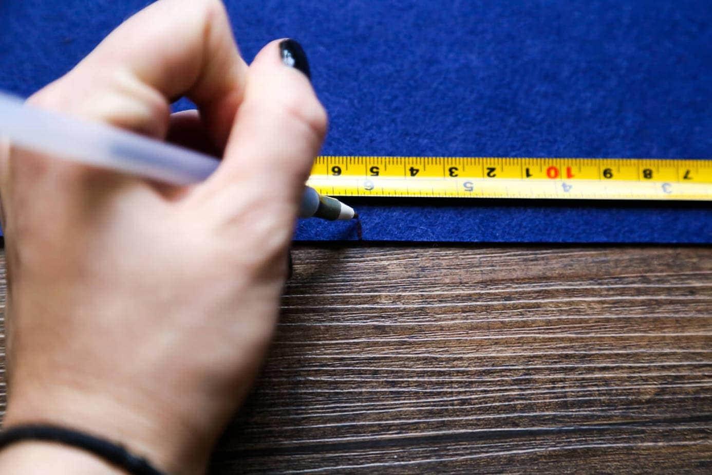 steps for making a felt pennant banner