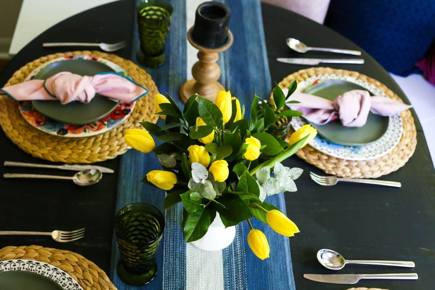 kitchen tablescape