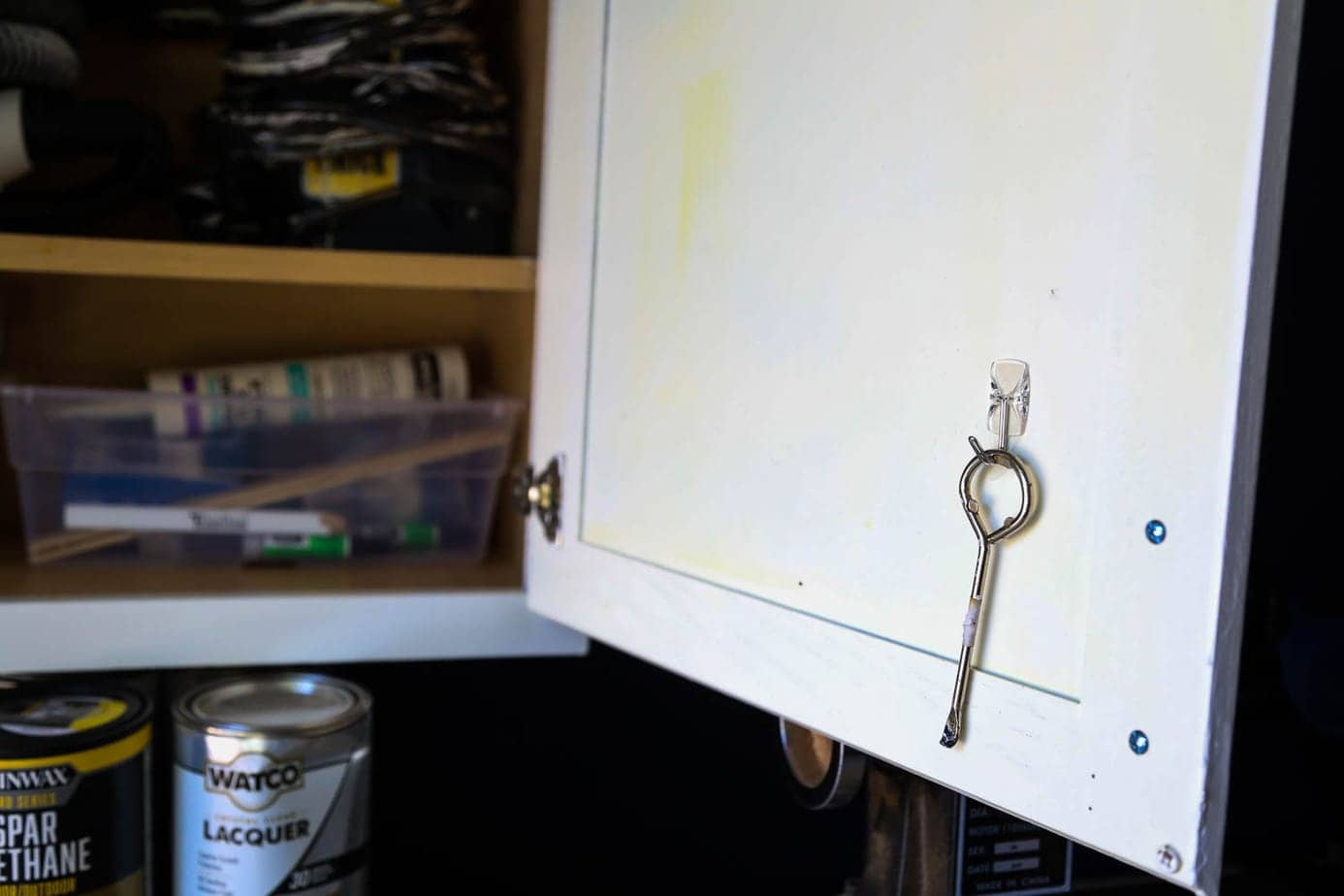 How to store paint can opener
