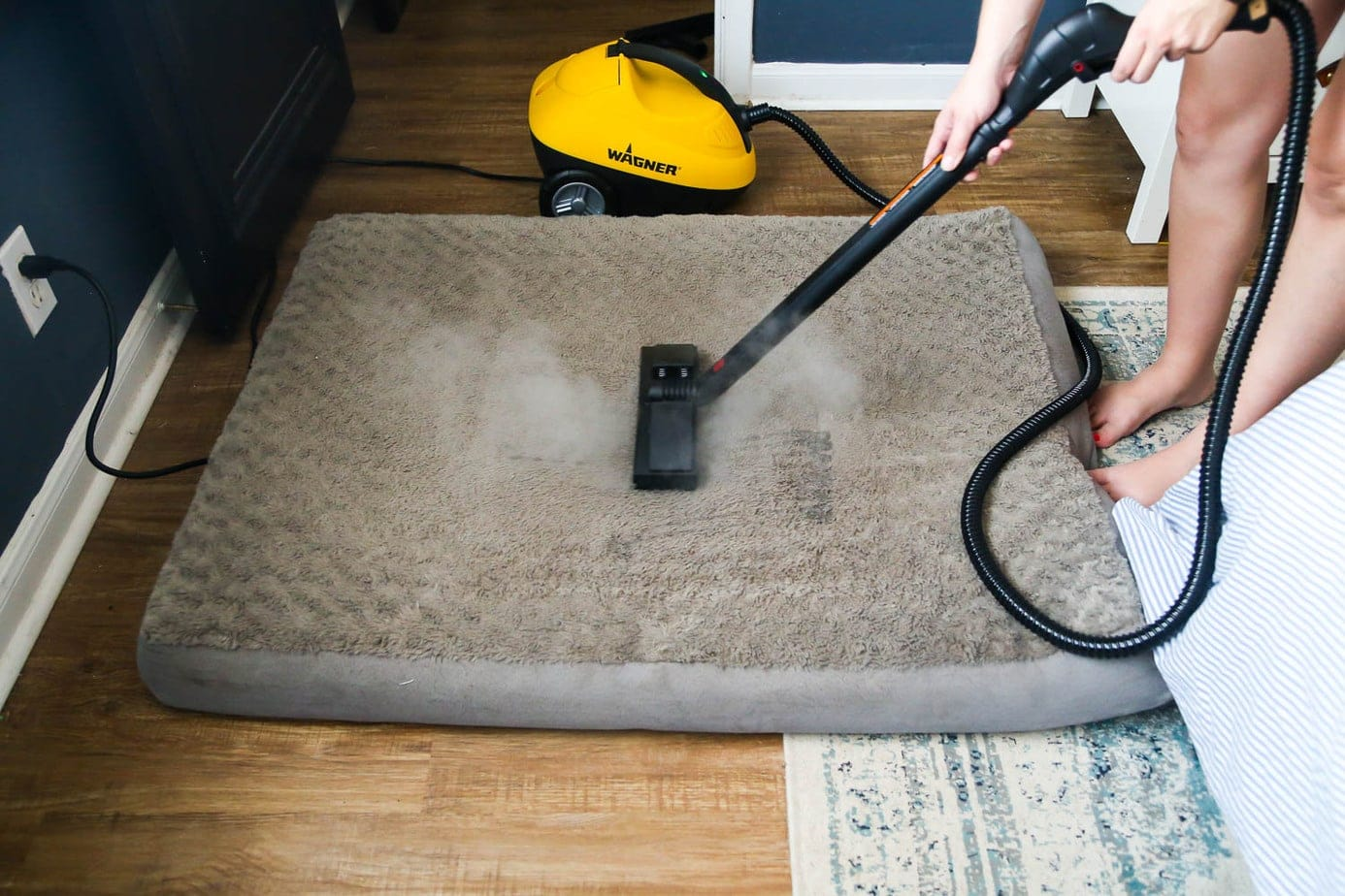 how to use a steamer to clean a pet bed