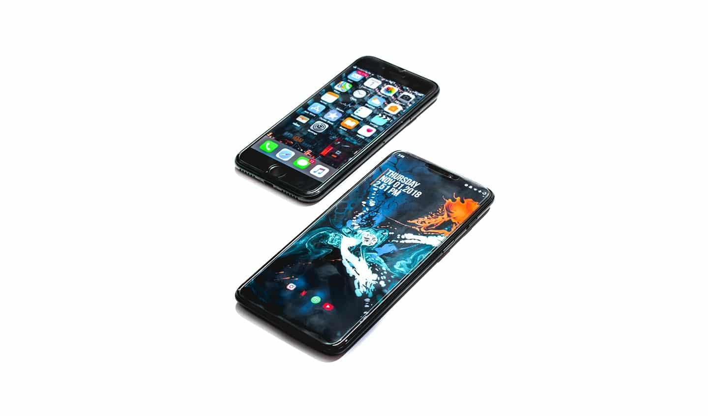 iPhone 8 and Samsung S9 with native mobile applications and hybrid mobile applications