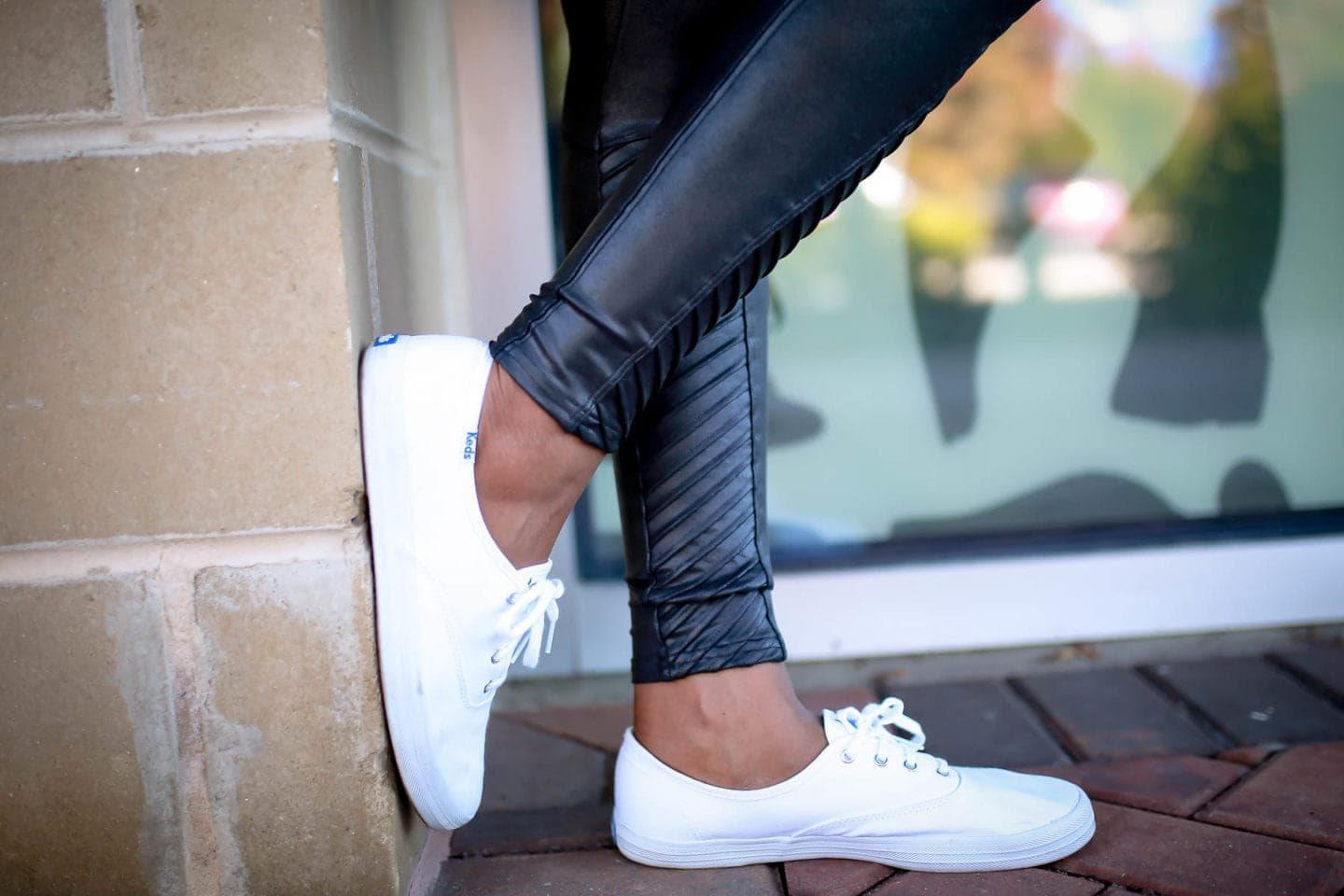 A no-bs Spanx Faux Leather Leggings Review | Here's what I liked and disliked about this super hyped high-end leggings. Worth the money? These are my thoughts.