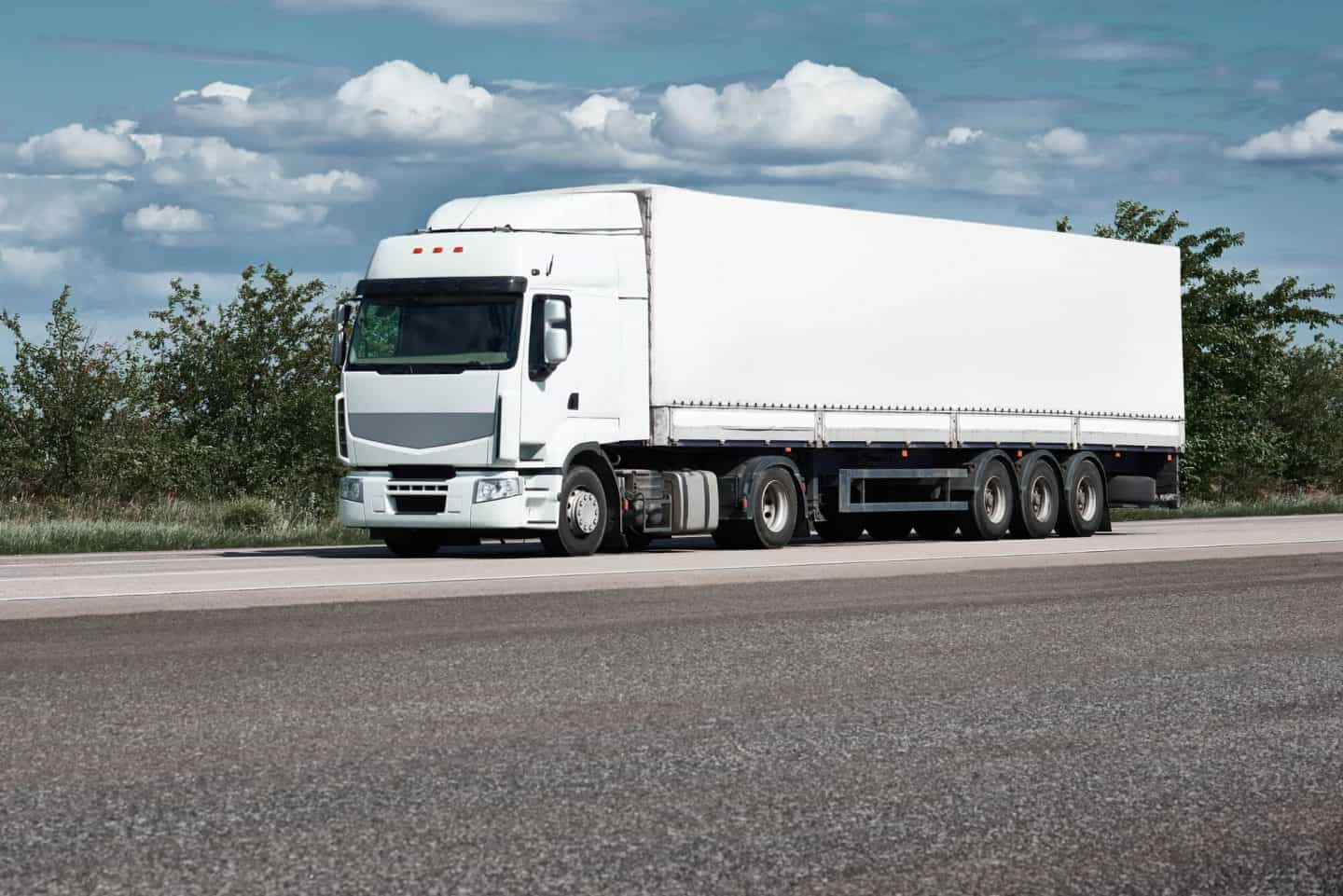 8 Crucial Safety Tips Every Commercial Truck Driver Needs to Remember