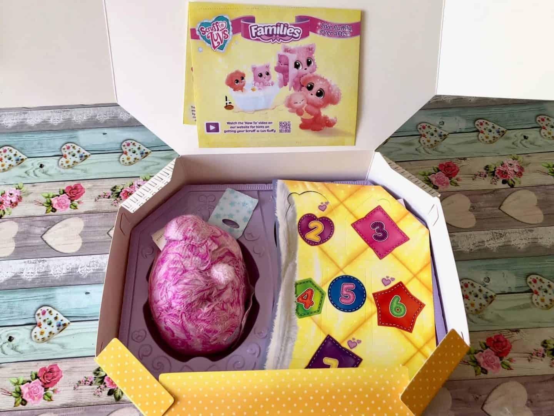 Scruff-a-luvs family inside the box