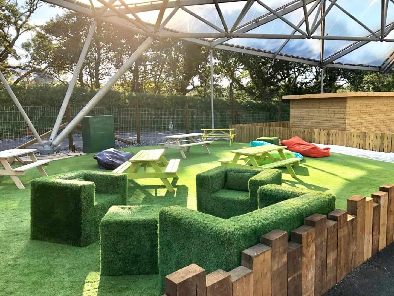 Garden seating area Serendome