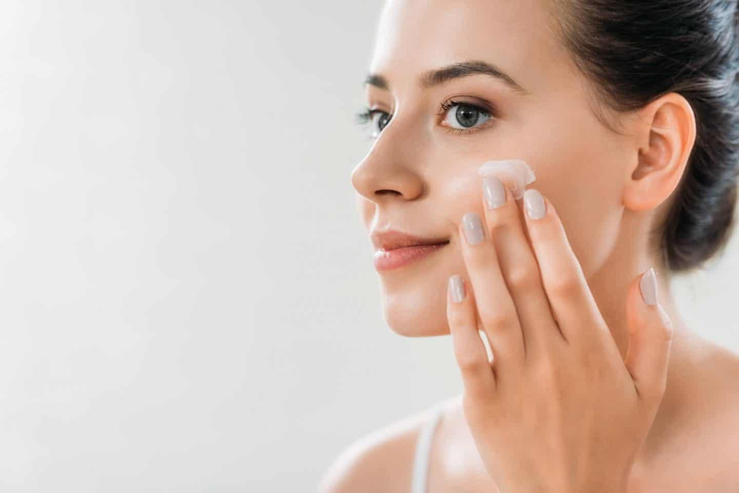 Omega-3 Fatty Acid Supplements & Moisturizer with SPF for Aging Issues