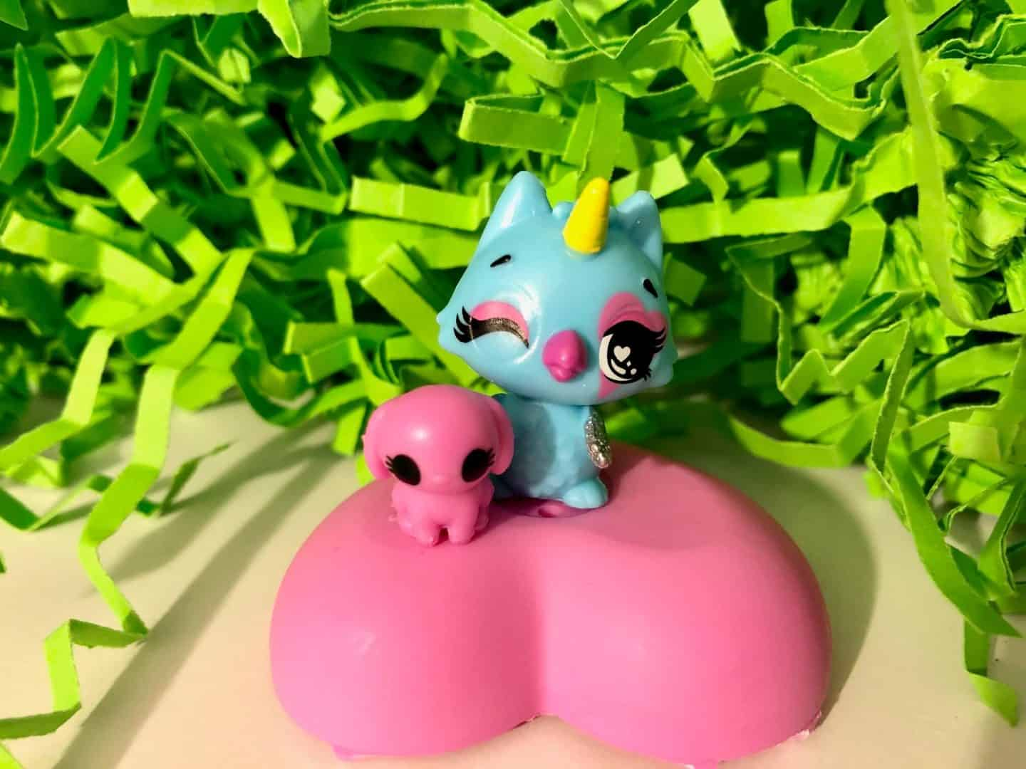 Hatchimals CollEGGtibles Pet Obsessed HatchiPets