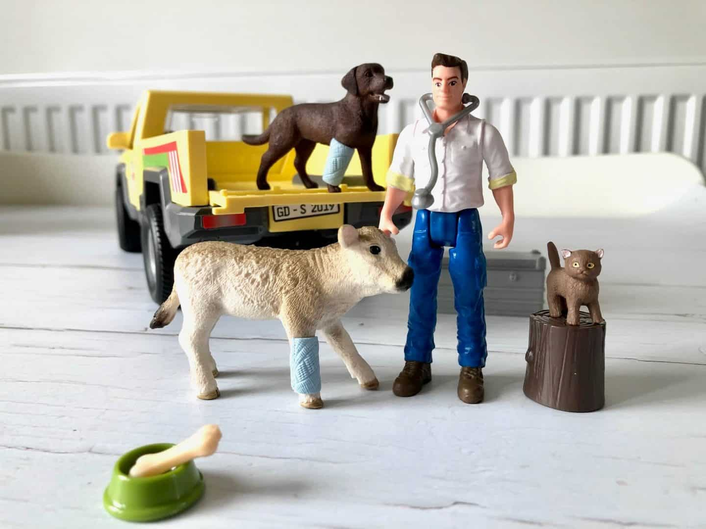 Schleich Farm World Veterinarian Visit at the Farm vet and animals