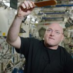 Scott Kelly Shows How You Can Play Ping Pong In Space With Water Molecules 15